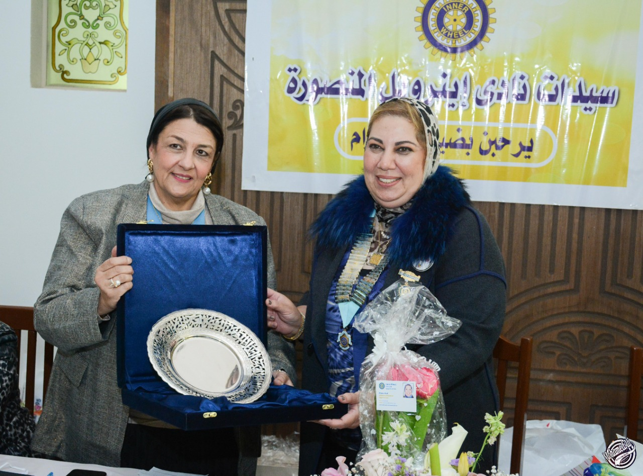 7-Mrs Nagwa Kandil Presented a sheild of Appreciation to D95 Chairman