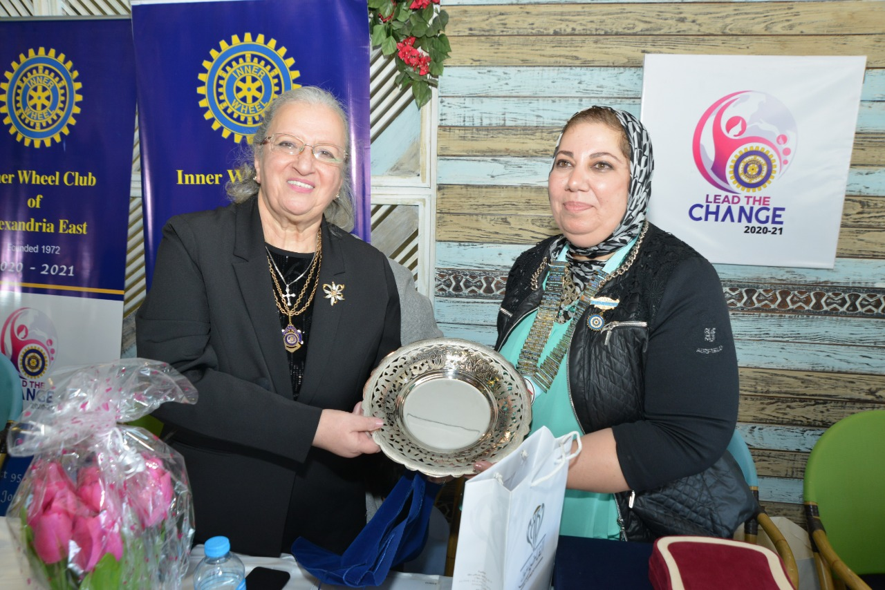 10-A symbolic gift from IWC of Damanhur to D95 Chairman