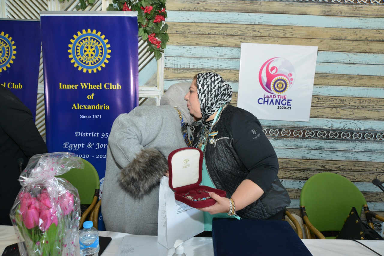 8-A symbolic gift from IWC of Alexandria East to D95 Chairman